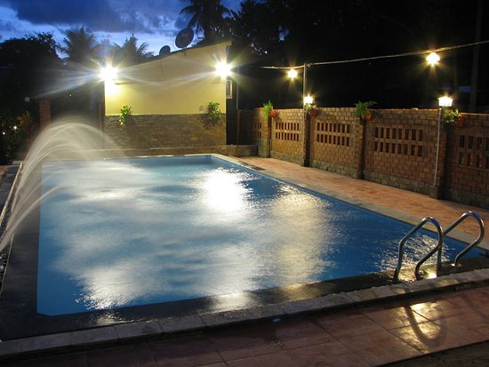 Be Home 3 Hostel and Bungalow