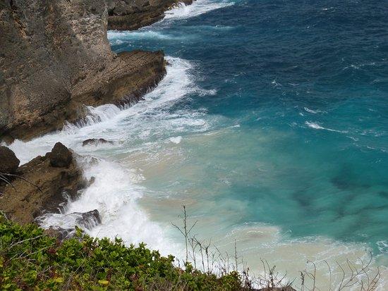 Anse-Bertrand, Guadeloupe: ces bleus qui vous captivent !