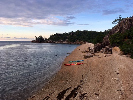 Magnetic Island, ออสเตรเลีย: White lady beach. Only accessible by sea.