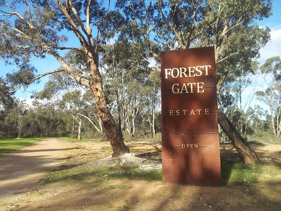 Avoca, Australia: Welcome to Forest Gate Estate