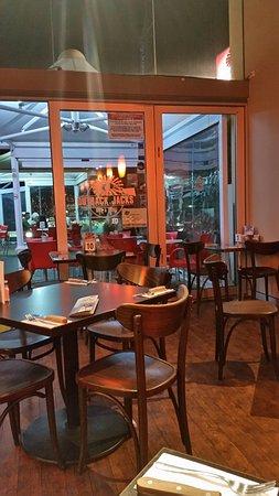 Glenelg, Australia: Beautiful setting at the Outback Jacks Restaurant