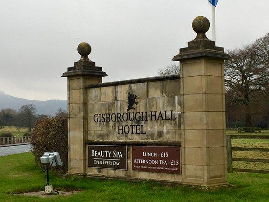 Guisborough, UK: Gisborough Hall entrance