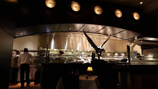 The Capital Grille: Great food, I wish I could eat a full plate