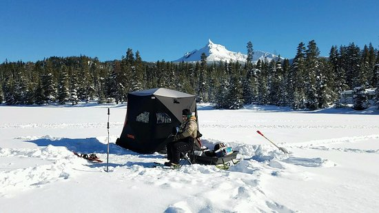 Diamond Lake, OR: Ice Fishing from the South Shore Pizza Place