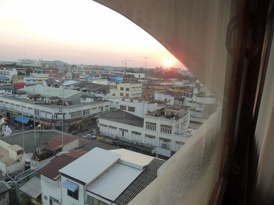 Amarin Nakorn Hotel: view at sunset