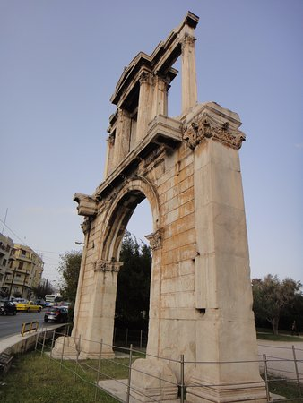 Photo of Monument / Landmark Arch of Hadrian (Pili tou Adrianou) at Λεωφόρος Αμαλίας, Athens, Greece