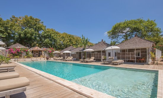 Les villas ottalia meno gili meno indonesia review for Garden city pool jobs