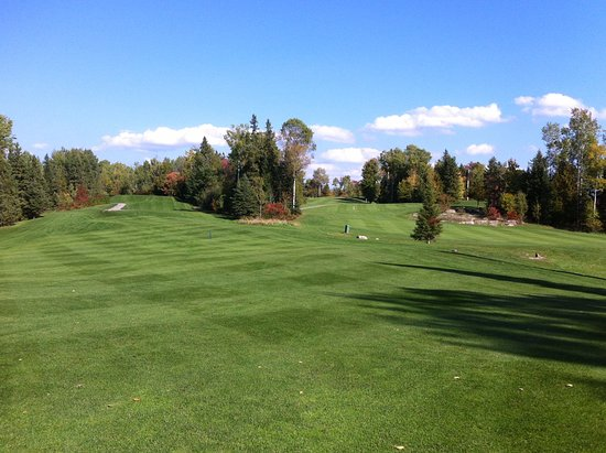 Callander, Canada: Hole 14 (left) and 16 (on the right)