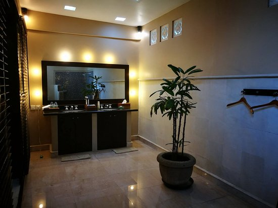 The Dusun: One of the bathrooms - it's 3 bathroom villa!