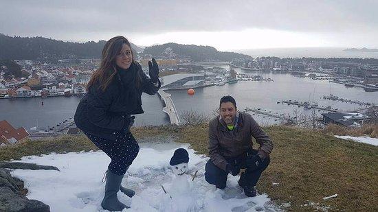 Mandal, Noruega: tentando um bonequinho de neve noruegues