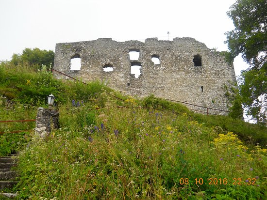 Pfronten, Alemania: Hike up to old castle Falkenstein
