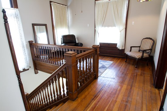 Captain Wohlt Inn: Market Street Guesthouse