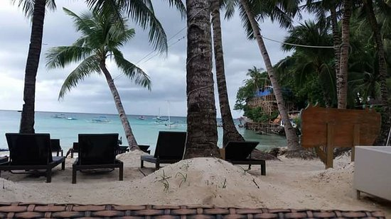 Microtel Inn & Suites by Wyndham Boracay: quiet and relaxing ambiance at microtel!!