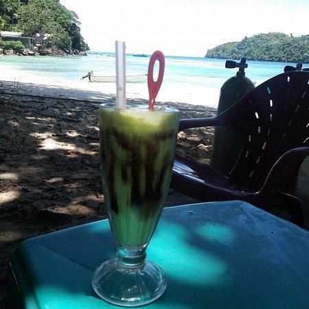 Pulau Weh, Indonesia: Beach in front of Rubiah Tirta