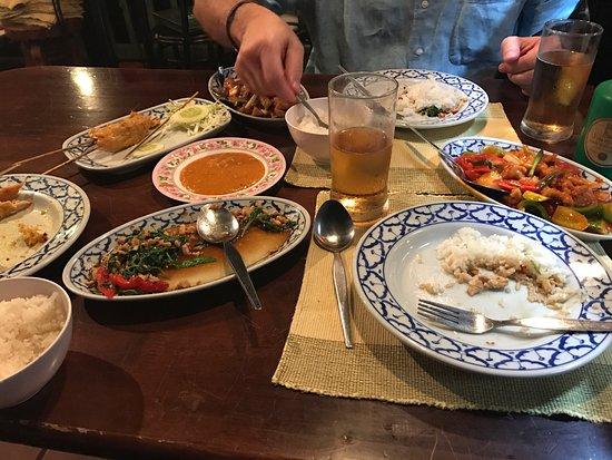 Ban Khun Mae Restaurant : photo0.jpg