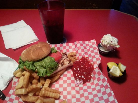 Hobe Sound, FL: Dolphin sandwich, crinkle cuts, cole slaw