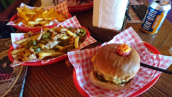 Prestwick, UK: Cheese and bacon burger with Mexican bandito fries