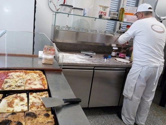 Ardea, Italy: tutto espresso tonde o teglia ingredienti freschi ed italiani..nulla di precotto