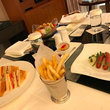 The St. Regis Osaka: room service