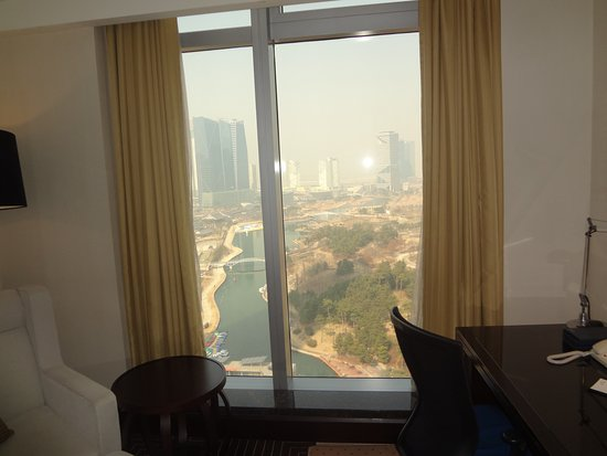 Sheraton Grand Incheon Hotel: the view