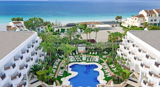 IBEROSTAR Marbella Coral Beach: Pool & Solarium