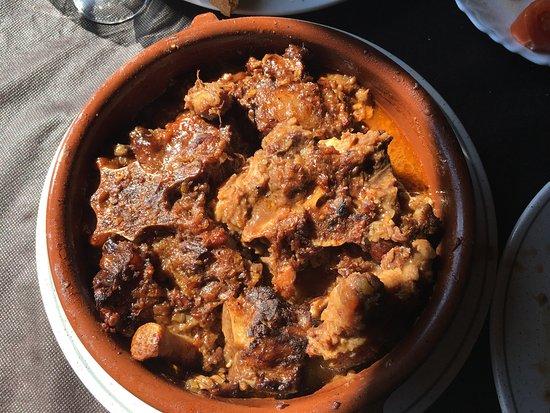 Gombren, Espagne : Rabo de buey con castañas