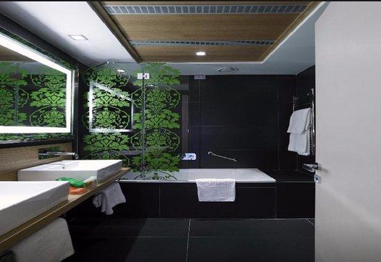 hotel midas rome italie voir les tarifs 6 avis et 109 photos. Black Bedroom Furniture Sets. Home Design Ideas