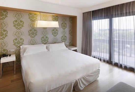 hotel midas rome italie voir les tarifs 9 avis et 197 photos. Black Bedroom Furniture Sets. Home Design Ideas