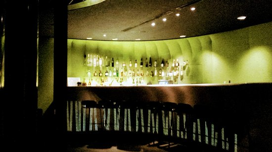 The Met Hotel: the hotel bar- night view