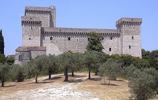 Narni, Italia: Una classica veduta della Rocca