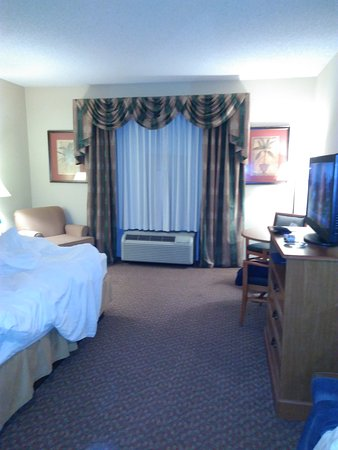Holiday Inn Express Hotel & Suites Spring Hill: TA_IMG_20170317_062652_large.jpg