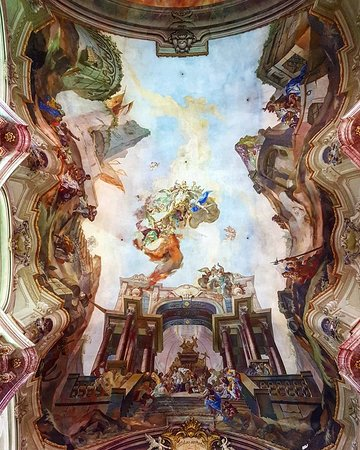 Église Saint-Nicolas de Malá Strana : Amazing fresco on the ceiling of Apotheosis of St. Nicholas