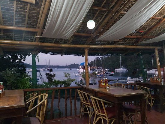 Badladz Dive Resort: Restaurant view