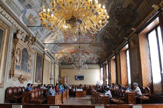 Sala del consiglio comunale foto di palazzo comunale for Ercole farnese 2017