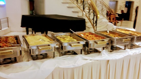 Titania Hotel: buffet lunch