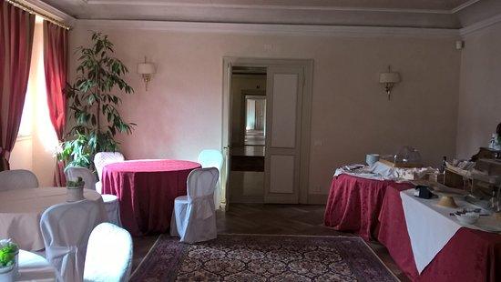 Vedelago, Italy: saletta colazione