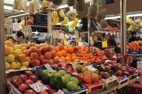 Photo of Tourist Attraction Mercato delle Erbe at Via Ugo Bassi 25, Bologna 40121, Italy