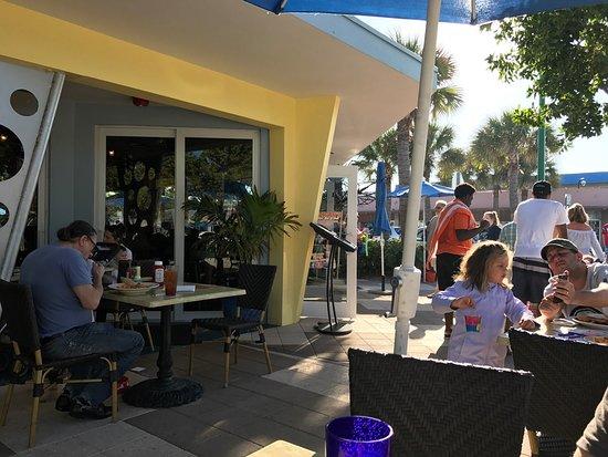 Mulligan's Beach House Bar & Grill : photo1.jpg