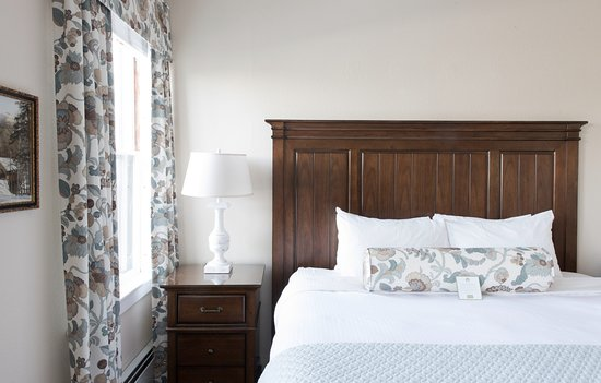 Whitefield, NH: Classic King Room