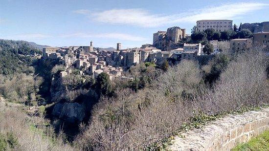 Sorano Picture