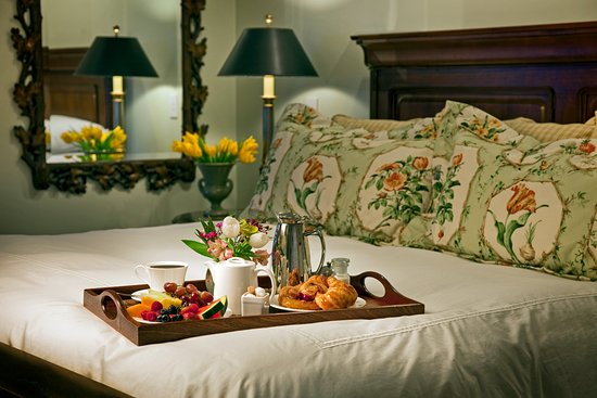 Whitefield, NH: In-Room Dining