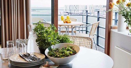 Charlottehaven: Balcony view