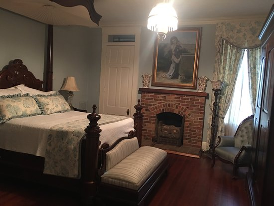 Steel Magnolia House Bed & Breakfast: photo1.jpg
