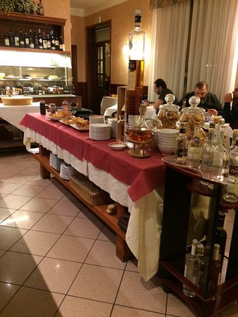 La maddalena ristorante quattro castella restaurant for Restaurant reggio emilia