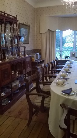 Una sala da pranzo per una colazione da re! - Picture of Aaron Court ...