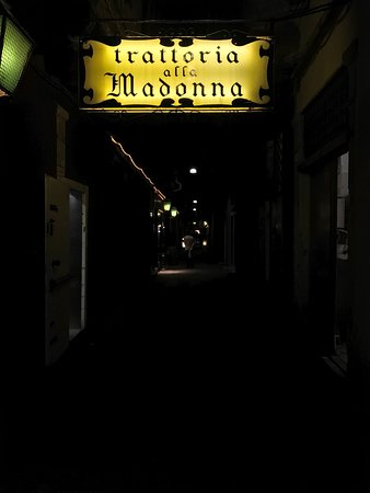 Photo of Italian Restaurant Trattoria alla Madonna at Rialto, Venice, Italy