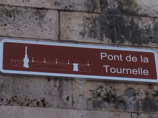 Photo of Bridge Pont de la Tournelle at Ile Saint-louis, Paris, France