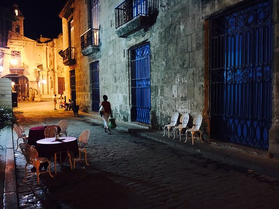 Casa Particular Isel e Ileana Havana : Gracious hospitality, clean and cozy accommodations, delicious breakfast and dinner- a perfect e