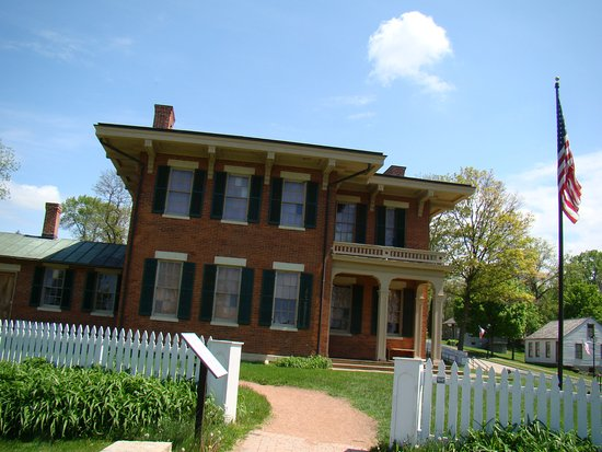 Galena, IL: Another Shot of the Home