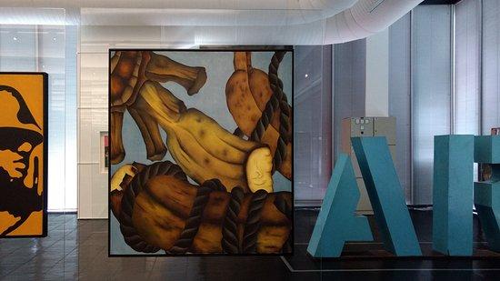 Musée d'Art de São Paulo - Assis Chateaubriand : Detalhe da exposição do acervo